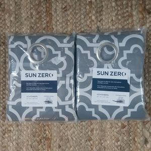 Sun Zero Gray And White Curtains Drapes 40x95 NEW
